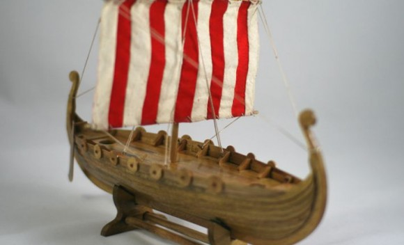 Viking keepsake longboat