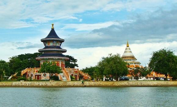 thai-temple-173999_640